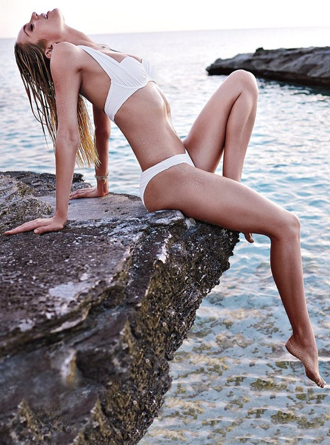 720x970xcandice-swanepoel-bikini-shoot16_jpg_pagespeed_ic_9BqTR7iVis.jpg