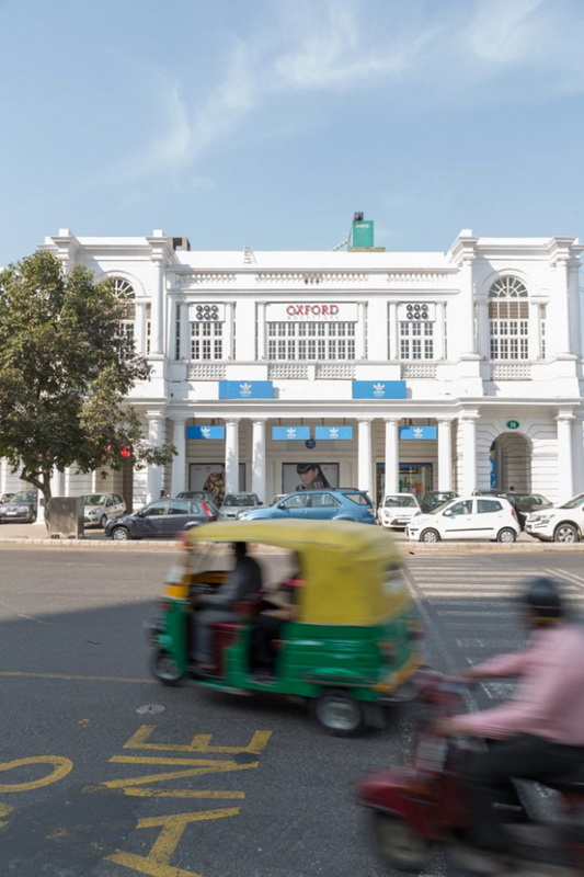 Oxford-Bookstore-in-New-Delhi2-640x1048.jpg