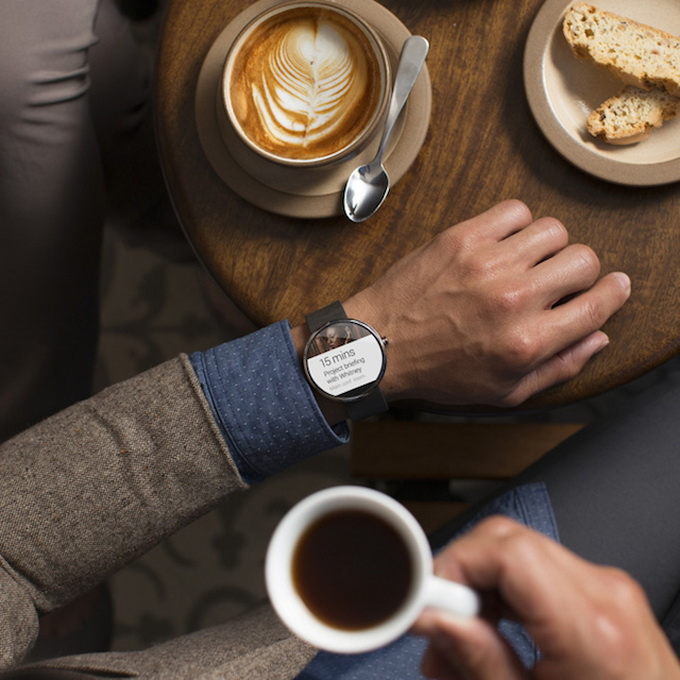 First-Smartwatch-powered-by-Android-Wear-1.jpg