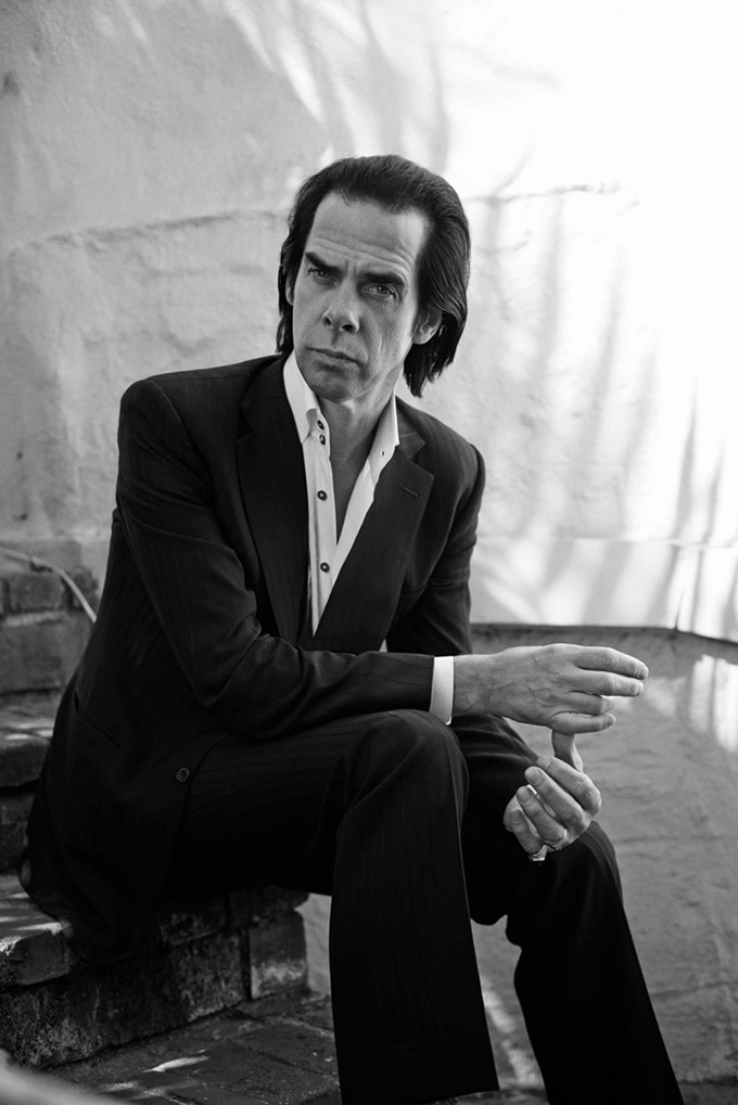 Nick-Cave-LUomo-Vogue-Eric-Guillemain-03.jpg