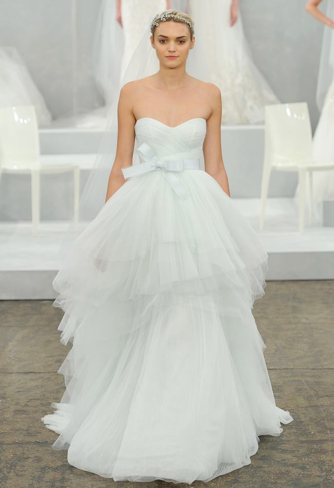 monique-lhuillier-spring-2015-bridal-photos15.jpg