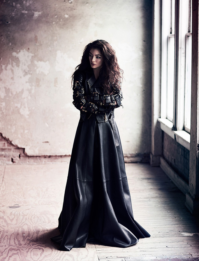 800x1048xlorde-chris-nicholls-photos1.jpg.pagespeed.ic.F-q6_ZF5Ea.jpg