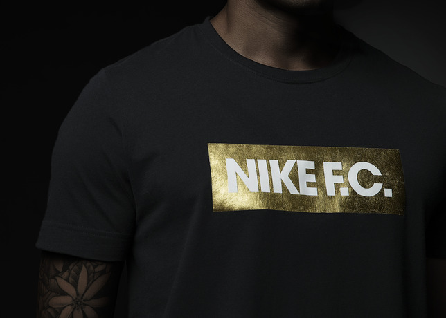 Su14_NSW_NikeFC_GloryTee_Black_002_28870.jpg