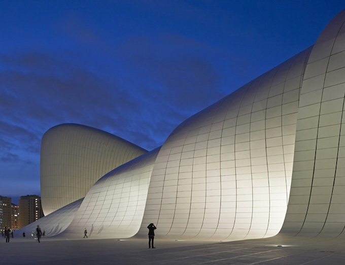 12-heydar-aliyev-center-by-zaha-hadid-architects-photo-by-Hufton-and-Cro.jpg