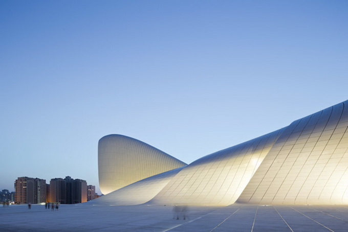 3-heydar-aliyev-center-by-zaha-hadid-architects-photo-by-Hufton-and-Cro.jpg