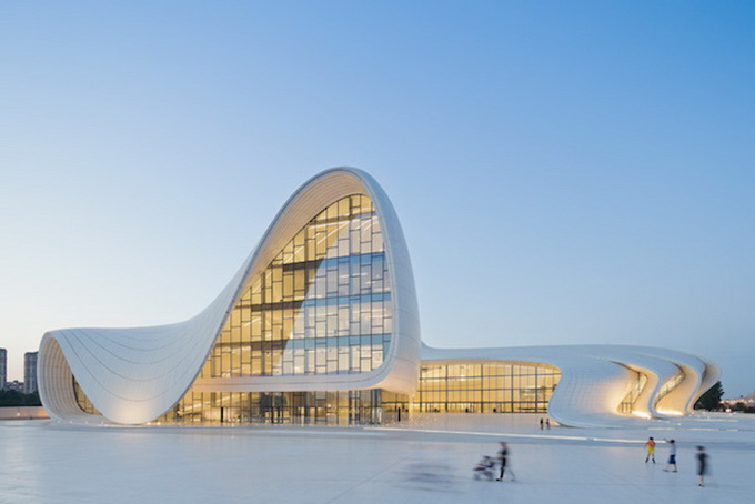 4-heydar-aliyev-center-by-zaha-hadid-architects-photo-by-Hufton-and-Cro.jpg
