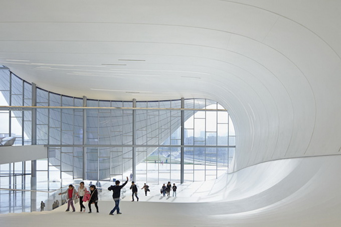 9-heydar-aliyev-center-by-zaha-hadid-architects-photo-by-Hufton-and-Cro.jpg