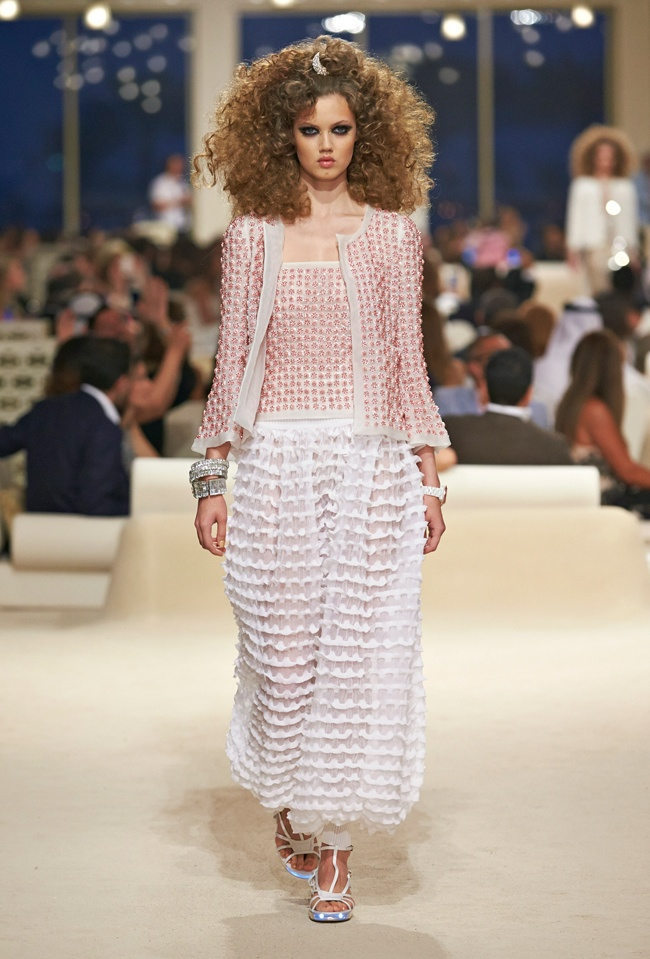 chanel-cruise-2015-show-photos-18.jpg