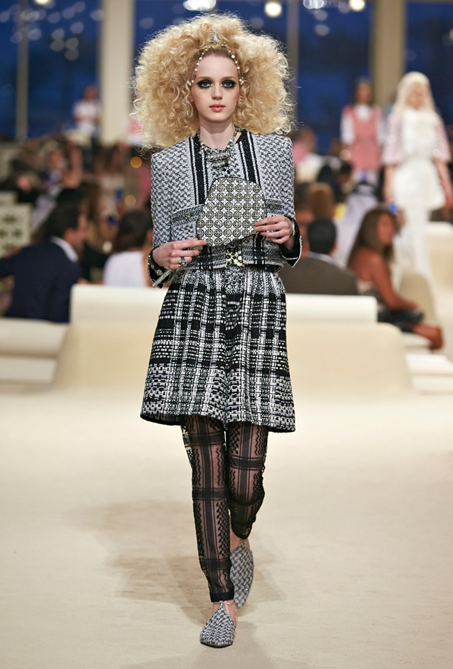 chanel-cruise-2015-show-photos-2.jpg