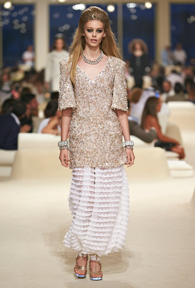 chanel-cruise-2015-show-photos-20.jpg