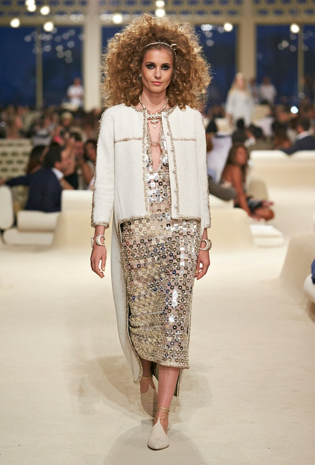 chanel-cruise-2015-show-photos-21.jpg