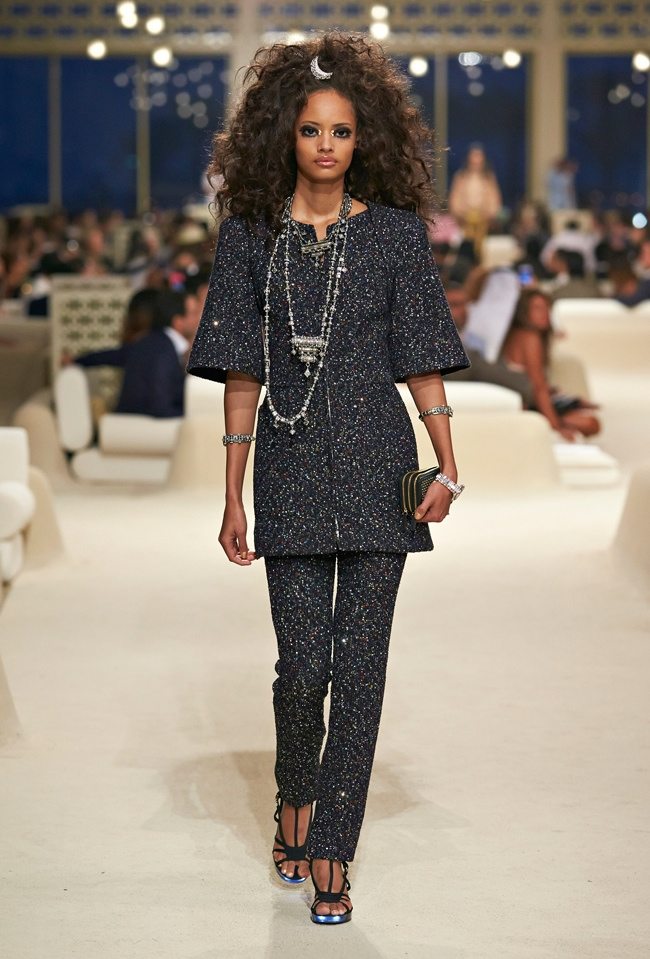 chanel-cruise-2015-show-photos-26.jpg