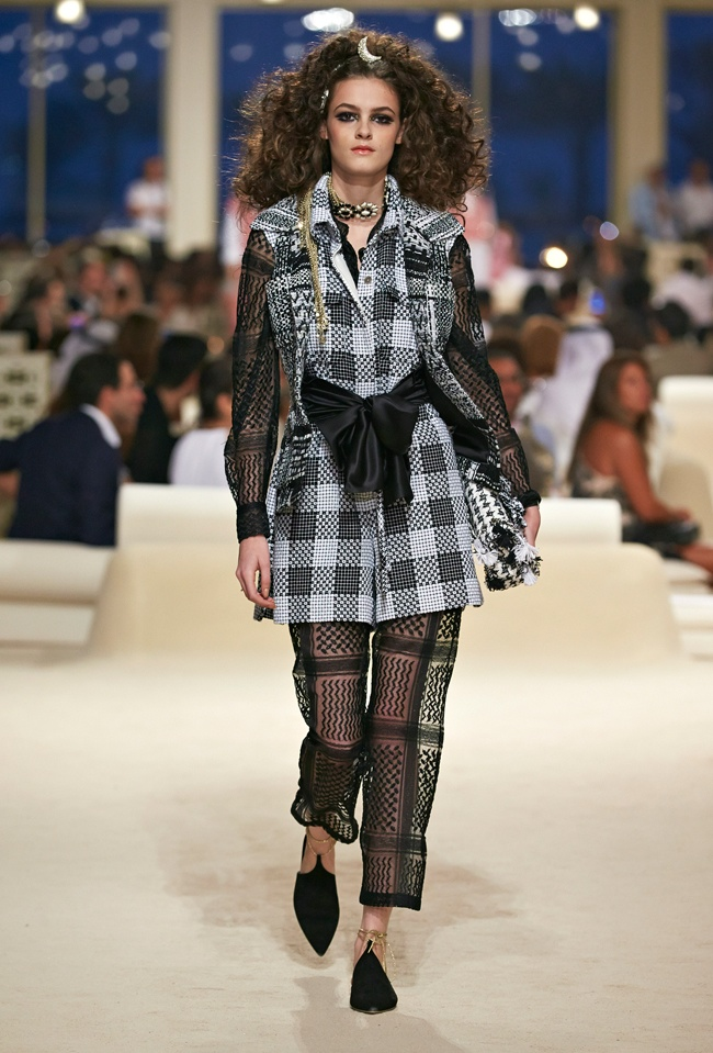 chanel-cruise-2015-show-photos-3.jpg