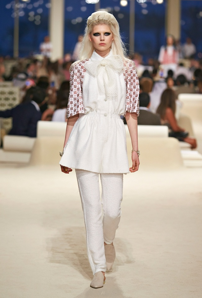 chanel-cruise-2015-show-photos-4.jpg