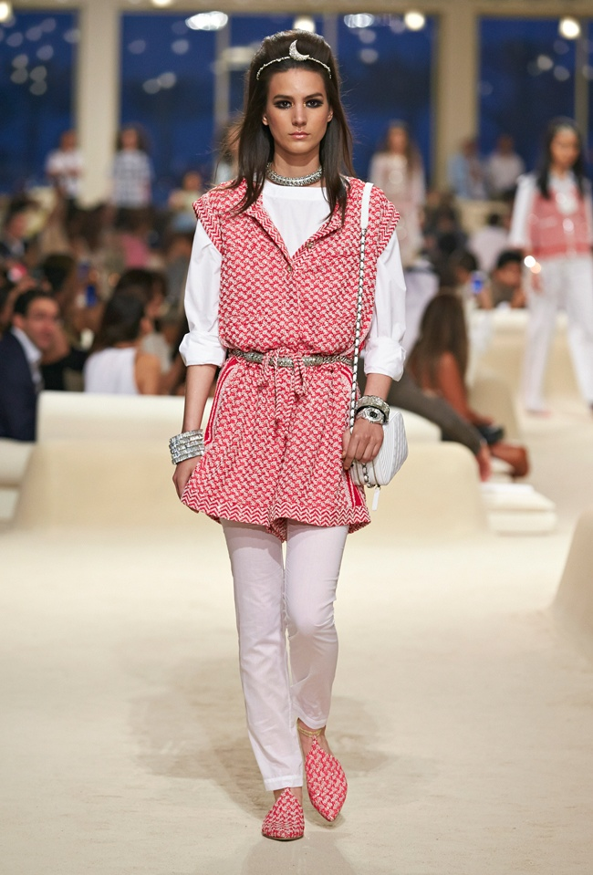 chanel-cruise-2015-show-photos-5.jpg