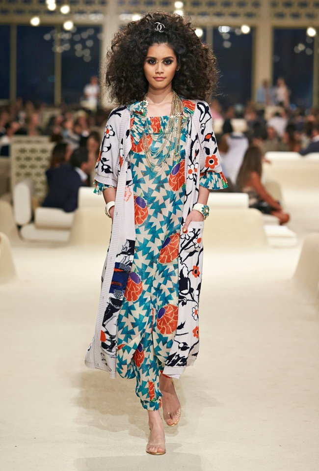 chanel-cruise-2015-show-photos-50.jpg