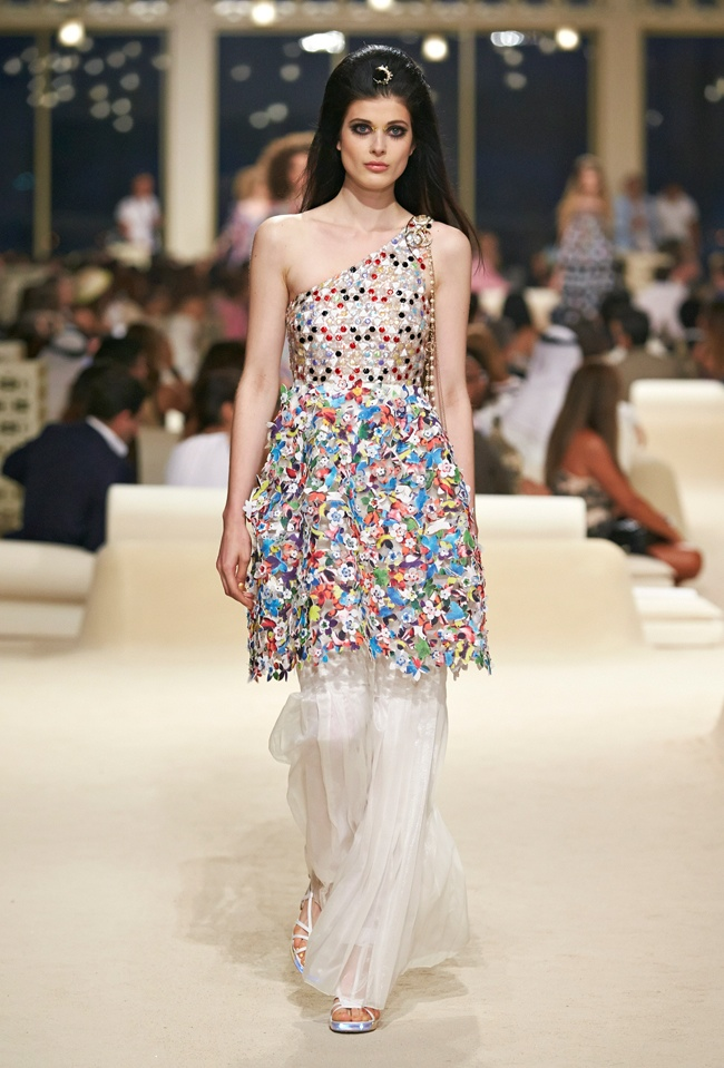 chanel-cruise-2015-show-photos-54.jpg