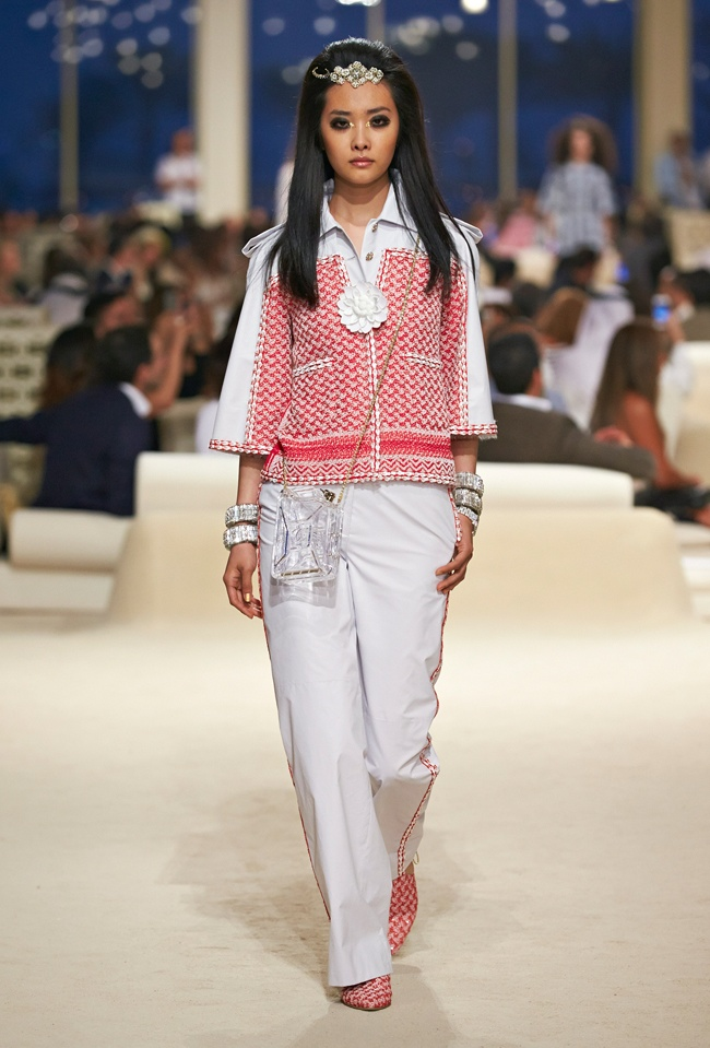 chanel-cruise-2015-show-photos-6.jpg