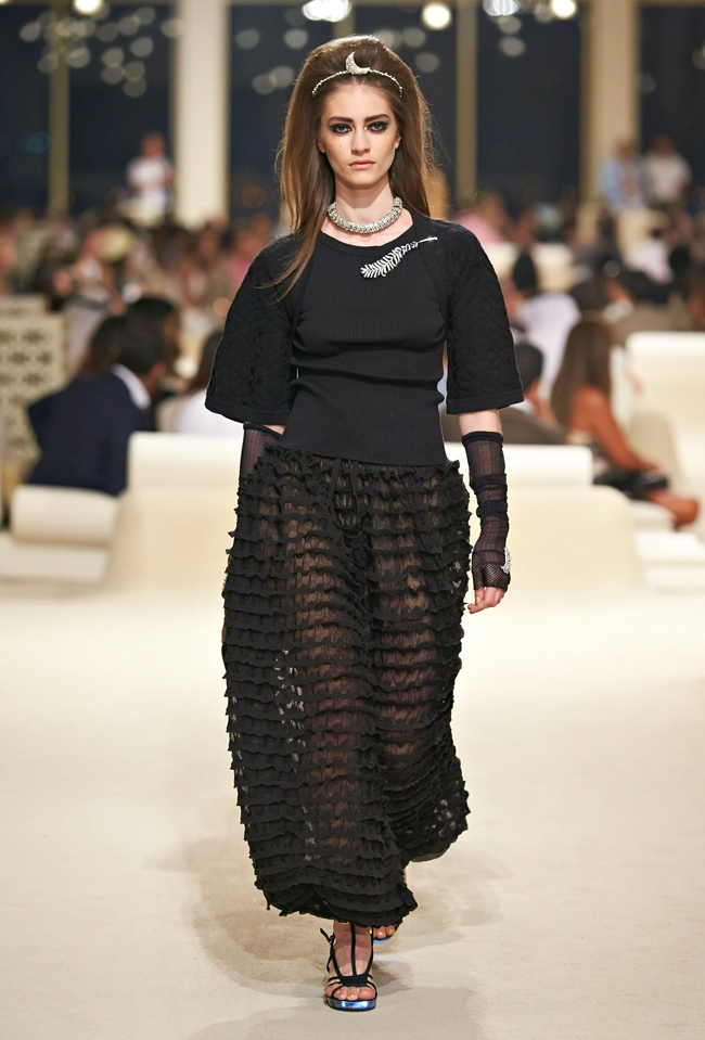 chanel-cruise-2015-show-photos-70.jpg