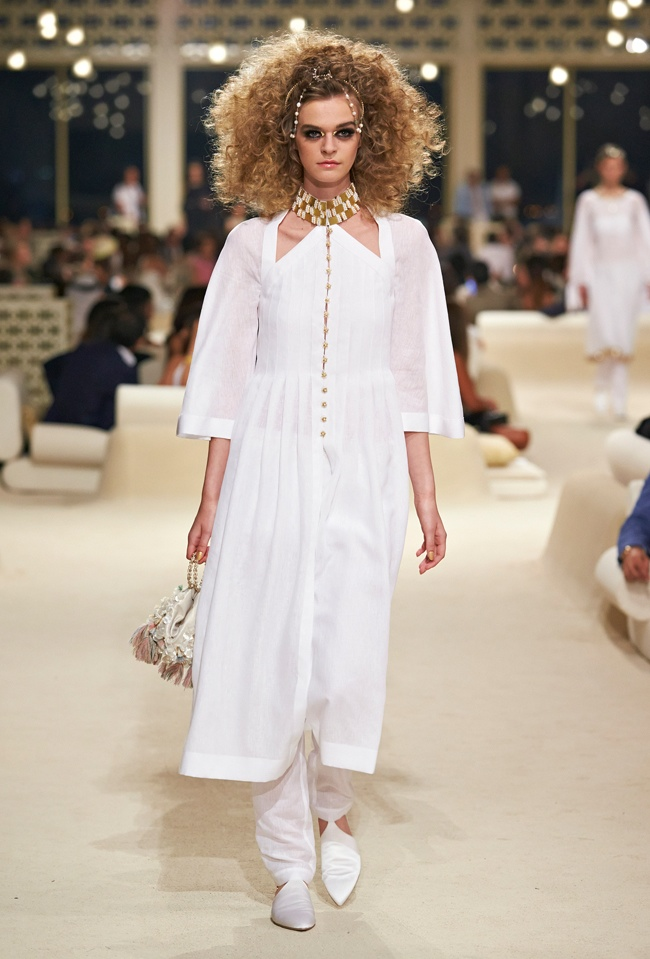 chanel-cruise-2015-show-photos-74.jpg