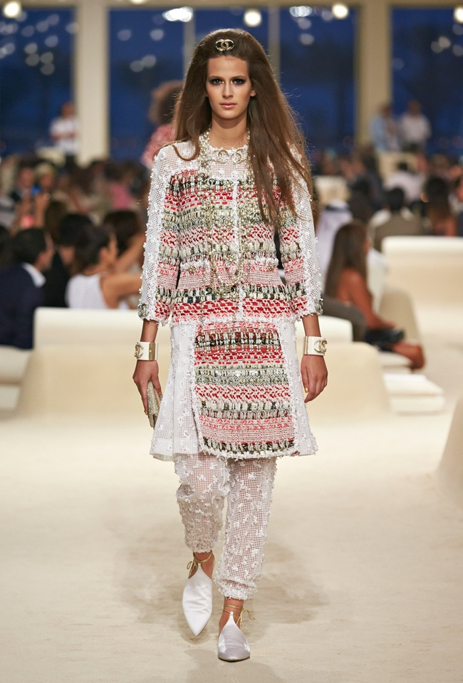 chanel-cruise-2015-show-photos-8.jpg
