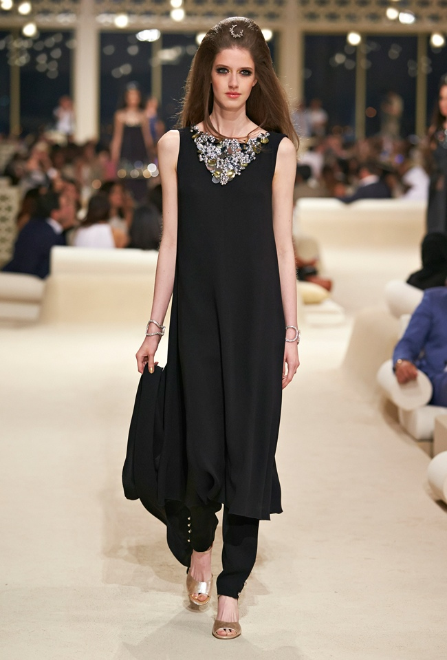 chanel-cruise-2015-show-photos-80.jpg