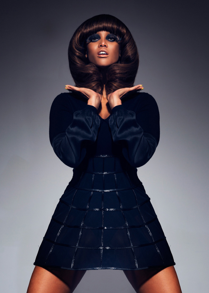 tyra-banks-black-magazine-photo-006.jpg