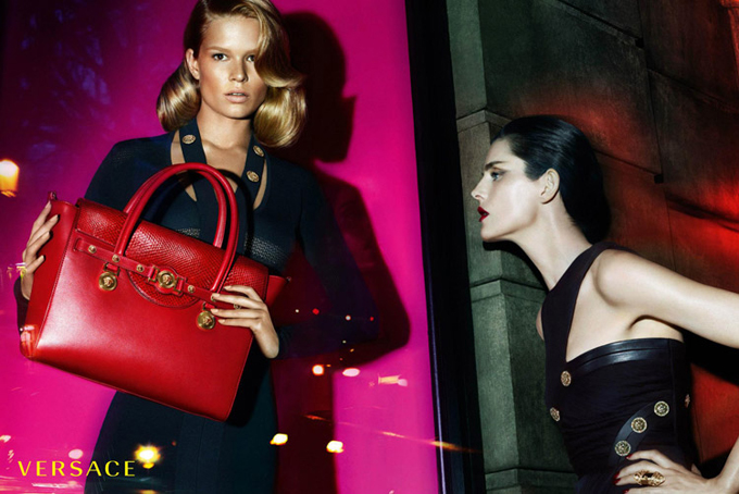 Versace-Fall-Winter-2014-Mert-Marcus-03.jpg