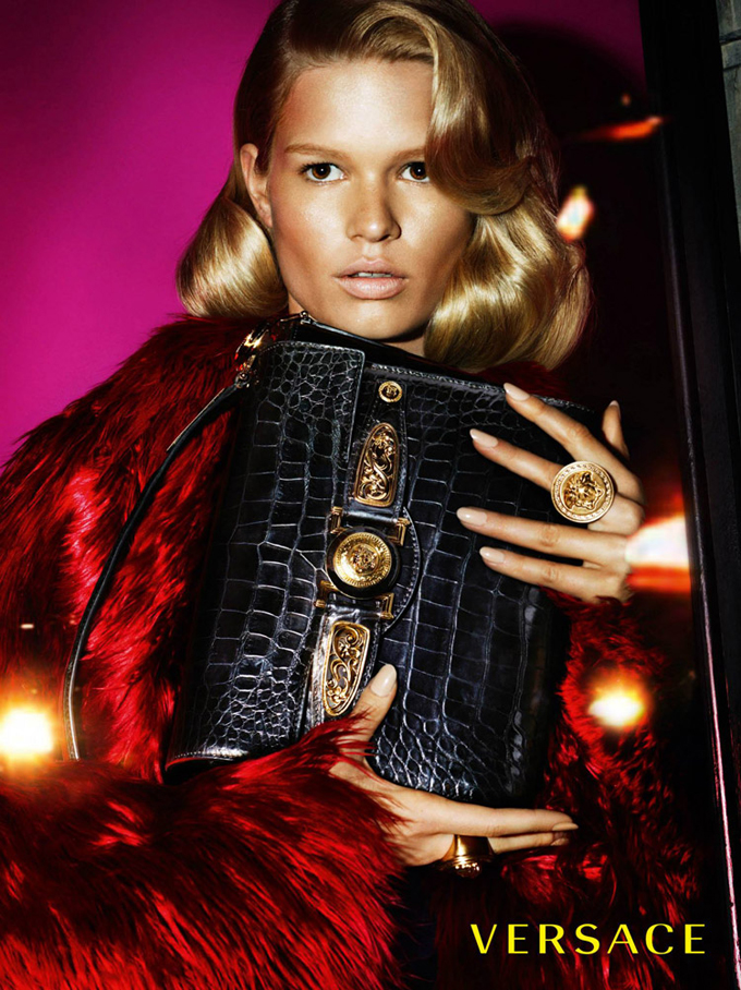 Versace-Fall-Winter-2014-Mert-Marcus-05.jpg