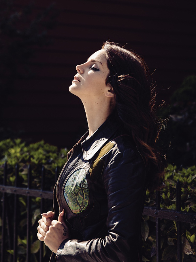 lana-del-rey-2014-photo-shoot4.jpg