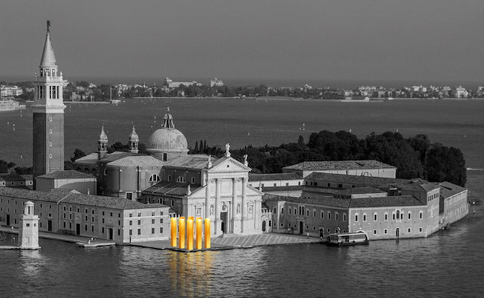 Gold-Columns-at-The-Venice-Biennale-_7.jpg