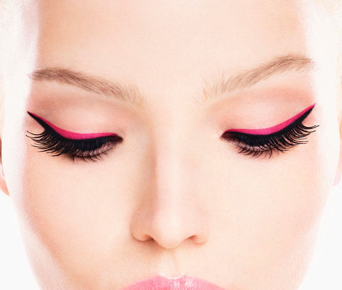 Dior-Addict-It-Lash-Campaign-With-Sasha-Luss-05.jpg