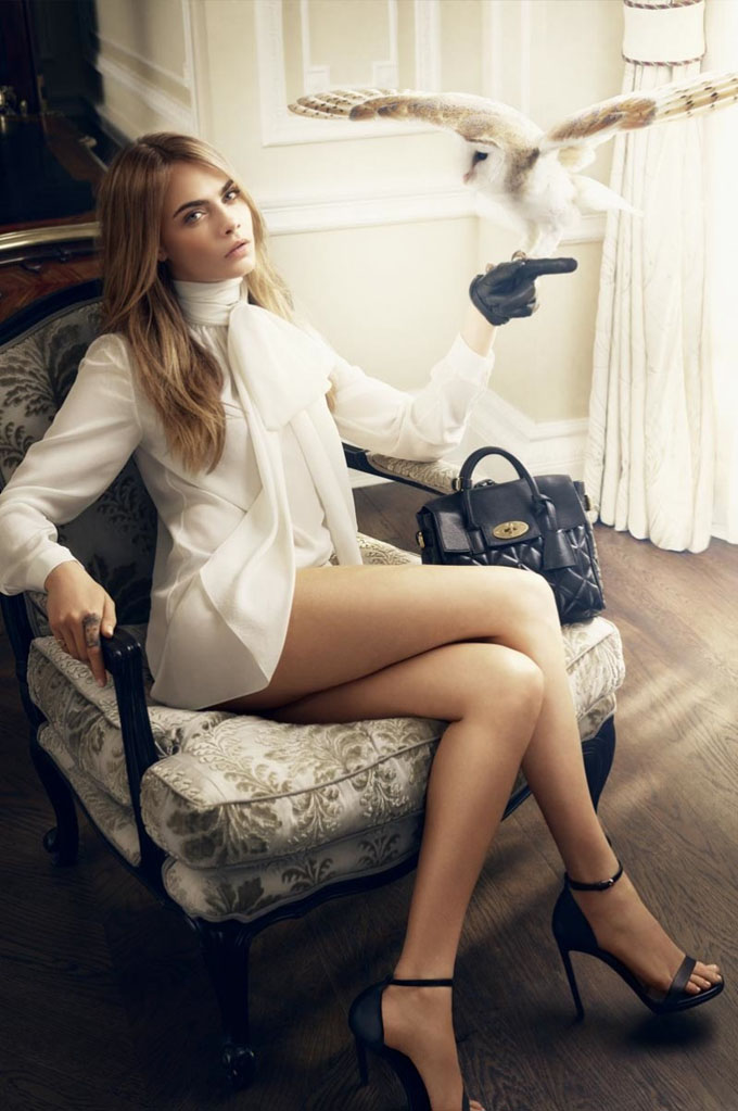 cara-delevingne-animals-mulberry2-798x1200.jpg
