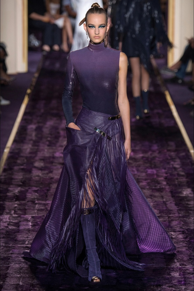 atelier-versace-2014-fall-haute-couture-show7.jpg