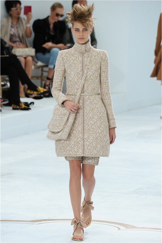 chanel-haute-couture-2014-fall-show10.jpg
