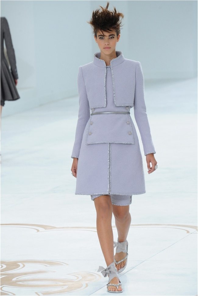 chanel-haute-couture-2014-fall-show12.jpg