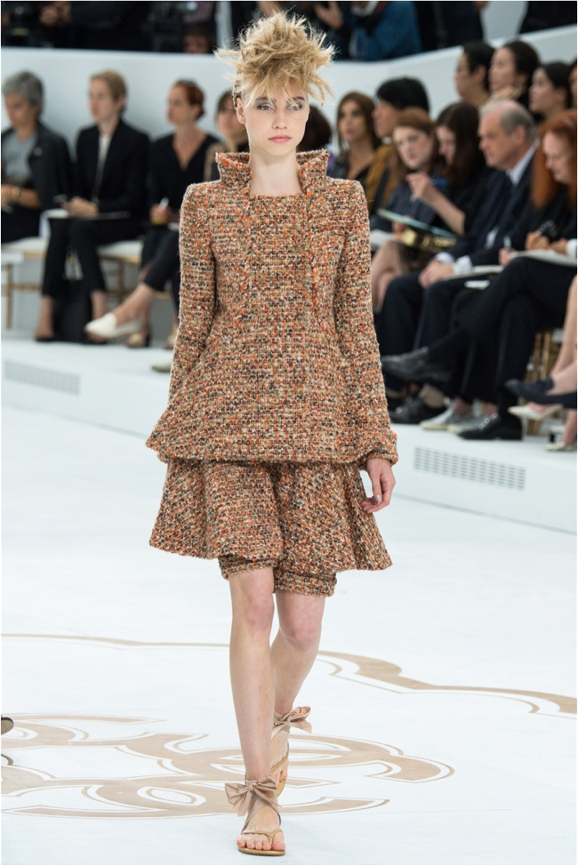 chanel-haute-couture-2014-fall-show13.jpg