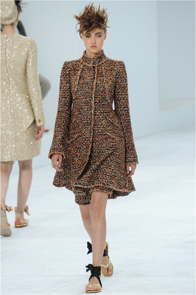 chanel-haute-couture-2014-fall-show14.jpg