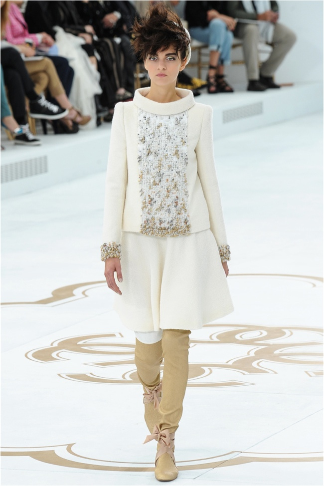 chanel-haute-couture-2014-fall-show2.jpg