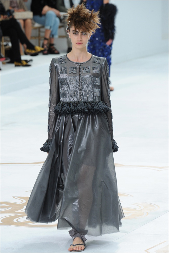 chanel-haute-couture-2014-fall-show30.jpg