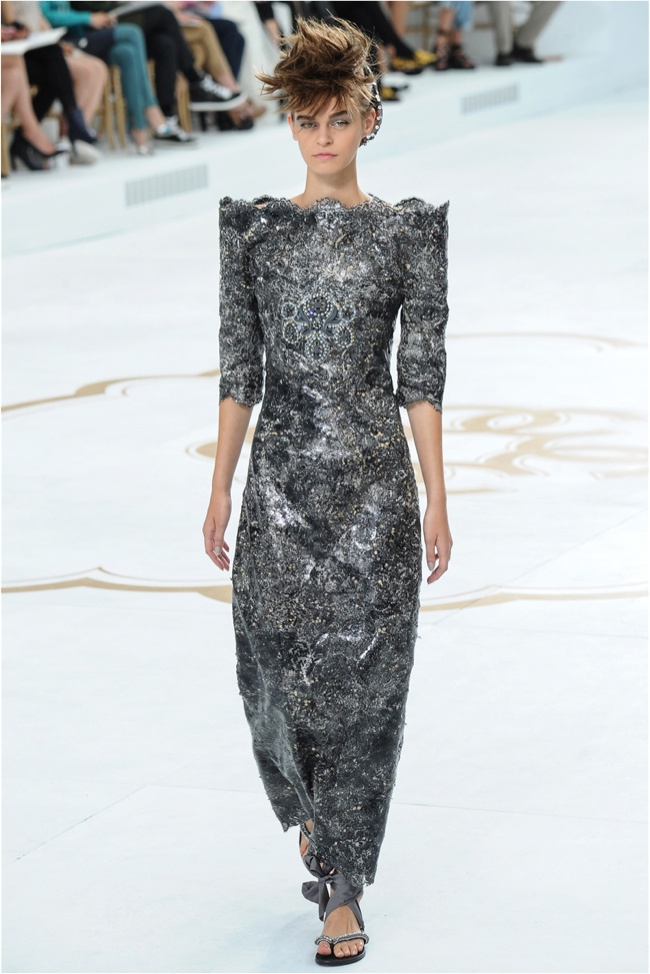 chanel-haute-couture-2014-fall-show33.jpg