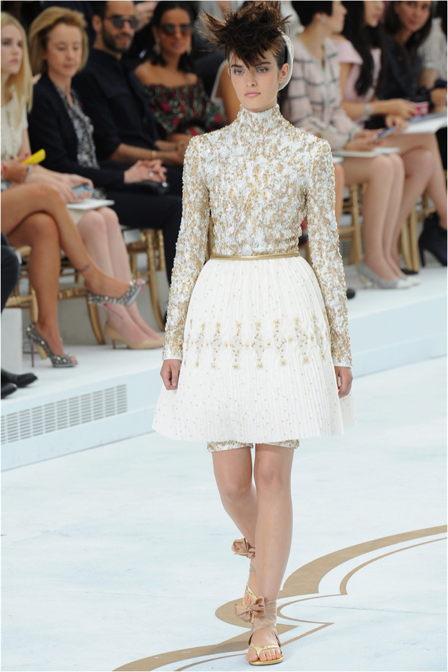 chanel-haute-couture-2014-fall-show39.jpg