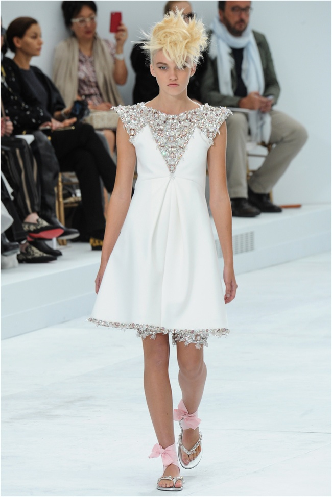 chanel-haute-couture-2014-fall-show51.jpg