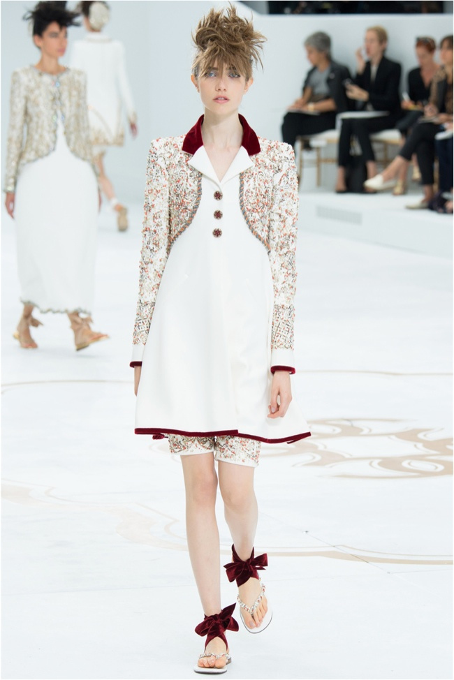 chanel-haute-couture-2014-fall-show53.jpg