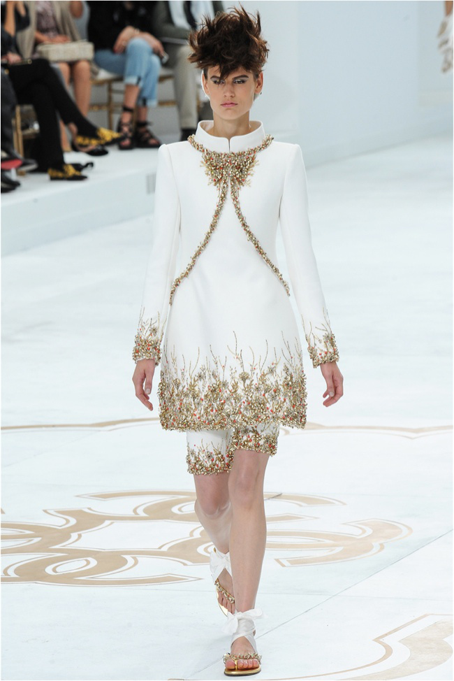 chanel-haute-couture-2014-fall-show54.jpg