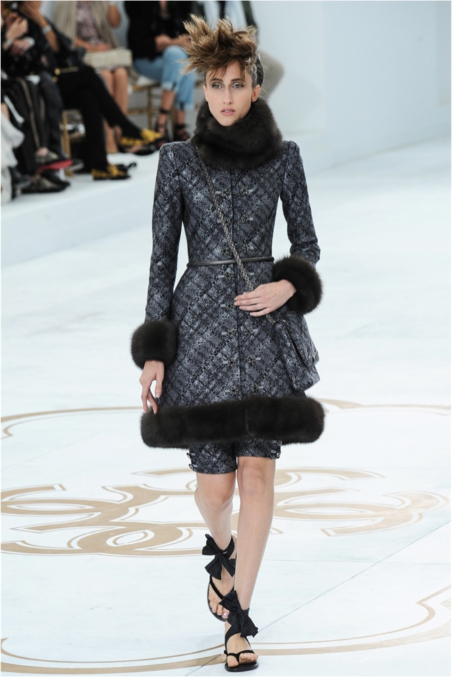 chanel-haute-couture-2014-fall-show8.jpg