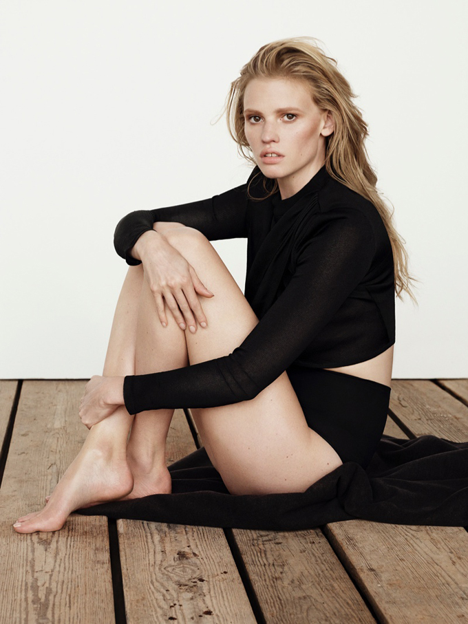 lara-stone-body-shoot3.jpg