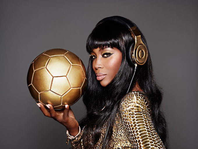 naomi-cambell-beats-dre-world-cup-gold3.jpg