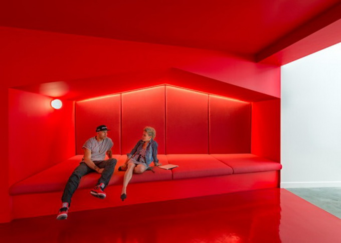 Inside-Beats-by-Dre-Office1-640x459.jpg