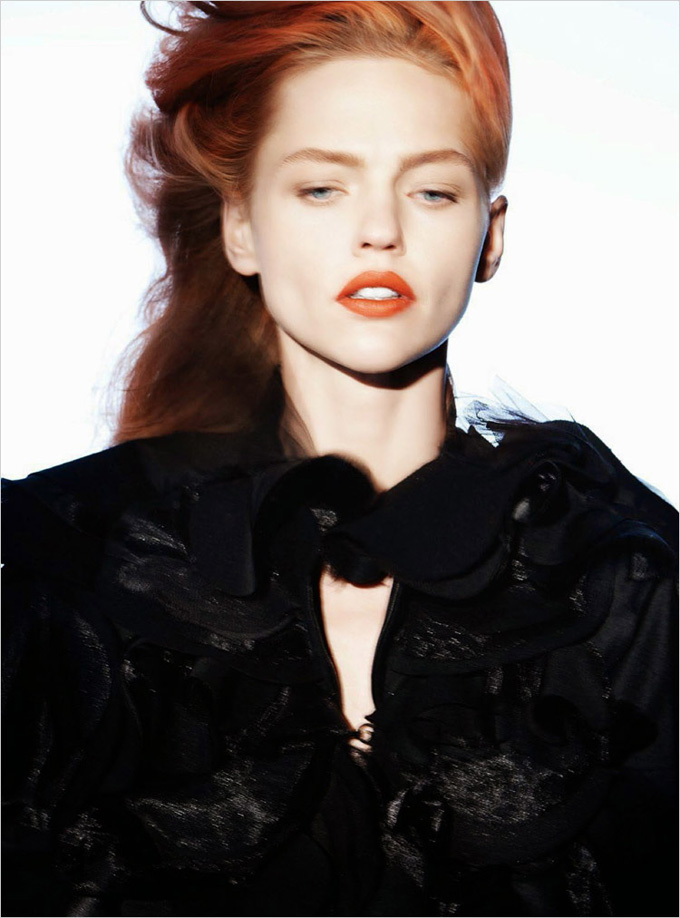 Sasha-Pivovarova-Vogue-Paris-David-Sims-05.jpg
